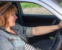 Cómo deben viajar los bebés y las embarazadas